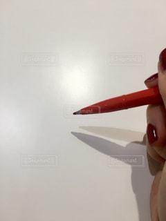 赤と白の歯ブラシの写真・画像素材[1233413]