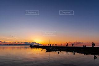沖縄 竹富島 西桟橋の夕日の写真・画像素材[2276923]