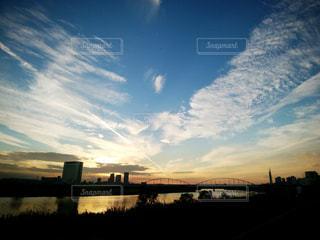 夕暮れ時のさわやかな空の写真・画像素材[1075603]