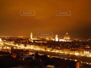 ミケランジェロ広場からのフィレンツェの夜景の写真・画像素材[1081172]