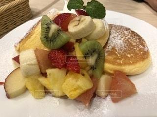 フルーツパンケーキの写真・画像素材[1075957]