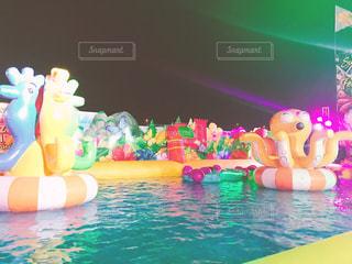 スイミング プール ナイトプールの写真・画像素材[1406495]