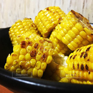 焼きトウモロコシの写真・画像素材[2176105]