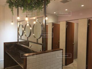 オシャレなトイレの写真・画像素材[2441421]