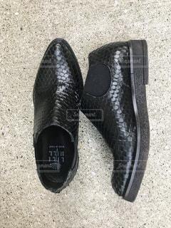 黒の靴のペアの写真・画像素材[1080051]