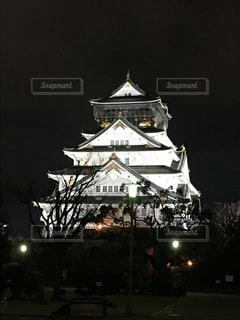 大阪城は夜ライトアップの写真・画像素材[1099869]