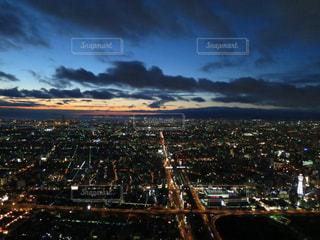 夜の街の景色の写真・画像素材[1394228]