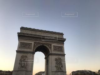 建物の凱旋門の写真・画像素材[1079289]