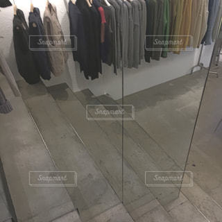 荷物、列に並んでの束の写真・画像素材[905388]