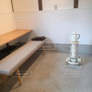 木製テーブルの写真・画像素材[1124925]