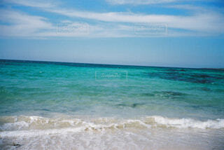 海の隣にある水の体の写真・画像素材[4263387]