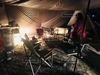 キャンプの夜風景の写真・画像素材[1079539]