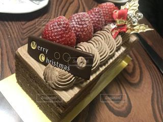 イチゴのチョコレートケーキの写真・画像素材[1079544]
