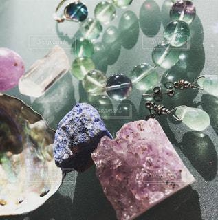 キラキラ天然石たちの写真・画像素材[1080637]