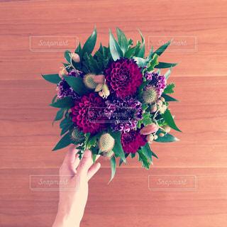 記念日の花束の写真・画像素材[1081350]