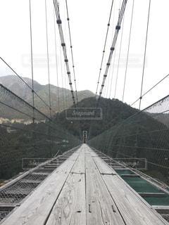 つり橋の真ん中からの写真・画像素材[1081594]