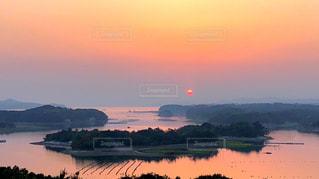 夕陽に染まるの写真・画像素材[2092596]
