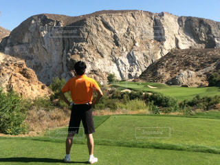 カリフォルニアの岩場を切り開いたゴルフ場 - No.1085853