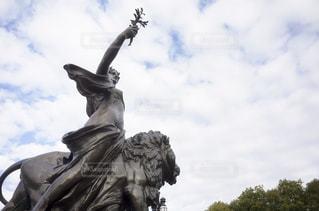 ロンドン 観光 像 彫刻の写真・画像素材[1088442]