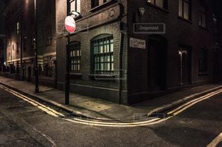 ロンドン 夜 道 建物の写真・画像素材[1088490]