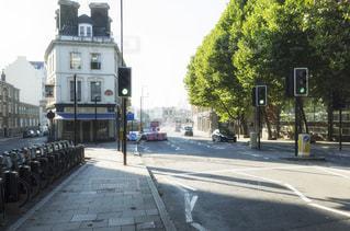 街の通り ロンドン 朝の写真・画像素材[1088510]