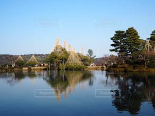 兼六園の湖の写真・画像素材[1086339]