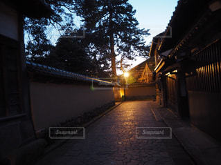 金沢 夜の武家屋敷の写真・画像素材[1086341]