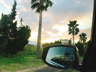 ドライブと夕陽の写真・画像素材[3136052]