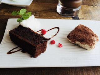 チョコレート ケーキプレートの写真・画像素材[1087966]