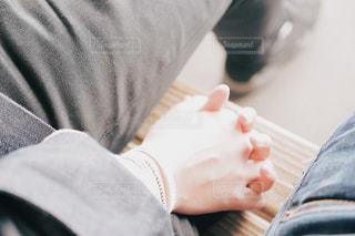 恋人と手繋ぎの写真・画像素材[1086808]