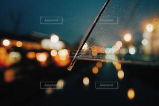 夜の雨の写真・画像素材[1086811]