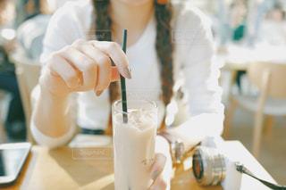 カフェで休憩の写真・画像素材[1086814]