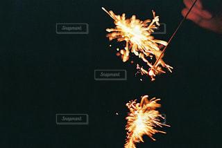 空に花火の写真・画像素材[1483682]