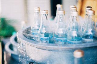 クローズ ボトルのアップの写真・画像素材[1483685]