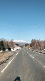 道の端にサインの写真・画像素材[1087324]