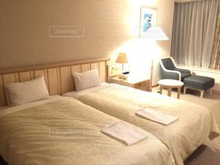 ホテルのベッドルームの写真・画像素材[1089667]