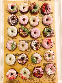 可愛いドーナツ型チョコ♪の写真・画像素材[1089413]