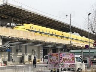 名古屋駅を発車したドクターイエローの写真・画像素材[1089267]