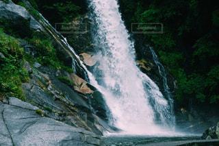 大きな滝の写真・画像素材[1934799]