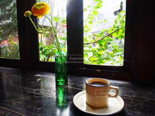 コーヒー とお花の写真・画像素材[1144715]