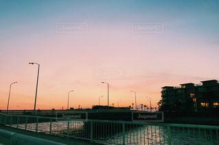夕陽の写真・画像素材[1092630]