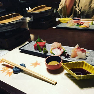 旅館の夕食の写真・画像素材[1093462]