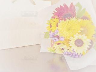 黄色の花束の写真・画像素材[1095370]