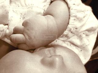 赤ちゃんの手の写真・画像素材[1104816]