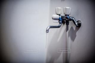 凍結した水道の写真・画像素材[1113107]