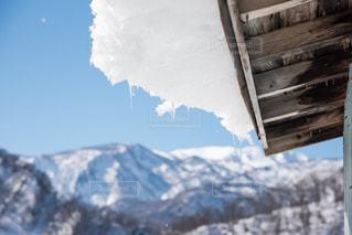 屋根の雪の写真・画像素材[1113116]