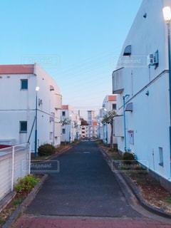 大きな白い建物の写真・画像素材[1106596]