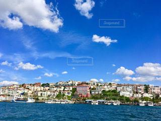 トルコ🇹🇷イスタンブールで船から見たアジア側の風景の写真・画像素材[1191712]