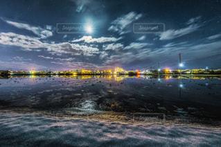 夜空と大地の写真・画像素材[1097824]
