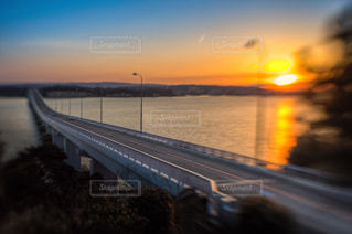 夕暮れの橋の写真・画像素材[1097829]